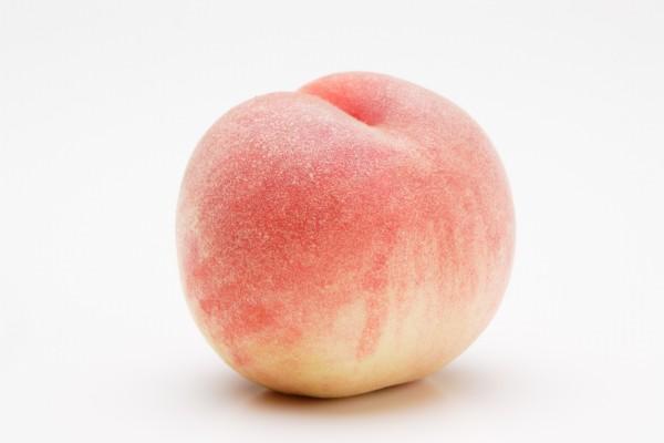 犬にとって「桃」はおすすめの有益な果物です